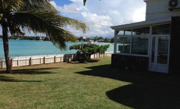 Location meublée - Maison pieds dans l'eau - grand-baie