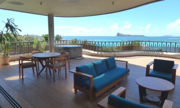 Location meublée - penthouse pied dans leau - grand-baie